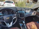 Chevrolet Cruze 2015 года за 4 100 000 тг. в Атырау – фото 2