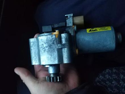 Серводвигатель раздатки на Bmw e60, e90 530xi бмв е60, е90 за 110 000 тг. в Алматы – фото 2