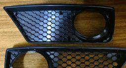 Комплект оригинальных передних решёток для Мерседес W211 E6.3 за 30 000 тг. в Алматы