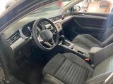 Volkswagen Passat 2020 года за 13 411 000 тг. в Семей – фото 3