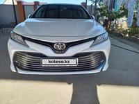 Toyota Camry 2018 года за 12 800 000 тг. в Атырау