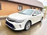 Toyota Camry 2017 года за 11 299 999 тг. в Уральск – фото 2