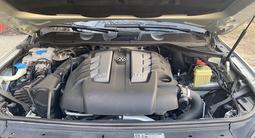 Volkswagen Touareg 2012 года за 6 500 000 тг. в Костанай – фото 2