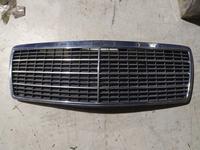 Решетка радиатора на Мерседес w140 за 28 000 тг. в Алматы