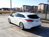 Hyundai i40 2015 года за 5 950 000 тг. в Петропавловск – фото 3