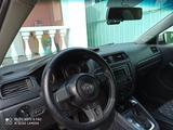 Volkswagen Jetta 2014 года за 4 100 000 тг. в Алматы – фото 5