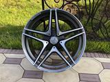 Оригинальные диски R19 AMG на Mercedes C-Classe W205 Мерседес за 640 000 тг. в Алматы