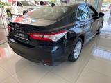 Toyota Camry 2021 года за 15 830 000 тг. в Актау – фото 4