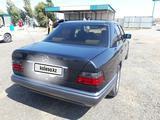 Mercedes-Benz E 220 1995 года за 2 300 000 тг. в Кызылорда – фото 2