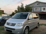 Volkswagen Multivan 2008 года за 8 500 000 тг. в Павлодар – фото 2