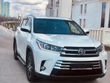 Toyota Highlander 2018 года за 22 700 000 тг. в Нур-Султан (Астана)