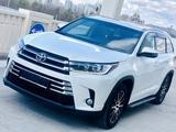 Toyota Highlander 2018 года за 22 700 000 тг. в Нур-Султан (Астана) – фото 2