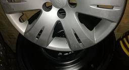 Шины зимние 215/70 R16, летние 215/65r16, диски штампованные r16 за 150 000 тг. в Кокшетау – фото 3