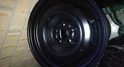 Шины зимние 215/70 R16, летние 215/65r16, диски штампованные r16 за 150 000 тг. в Кокшетау – фото 4