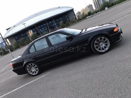BMW 750 1999 года за 3 000 000 тг. в Нур-Султан (Астана) – фото 4