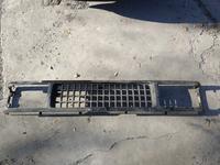 Решетка радиатора на Isuzu Trooper 1 поколения (квадратные фары) за 15 000 тг. в Караганда