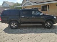 Toyota Hilux 2013 года за 9 700 000 тг. в Актау