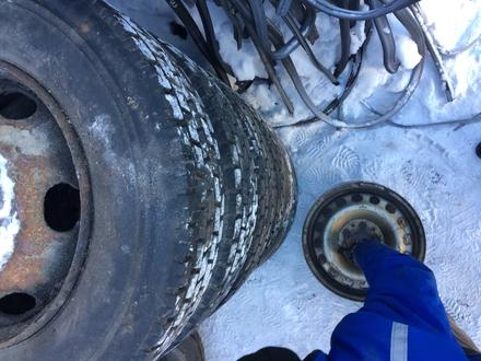 Диски с резиной мерседес 711 809 811 Vario в Караганда – фото 4