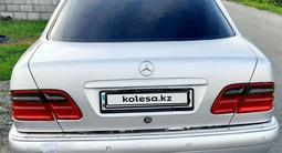 Mercedes-Benz E 320 1998 года за 2 800 000 тг. в Талдыкорган – фото 5