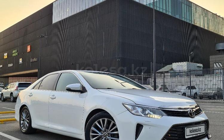 Toyota Camry 2015 года за 10 900 000 тг. в Шымкент