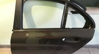 Дверь задняя левая Mercedes-Benz W205 C - Class за 250 000 тг. в Алматы