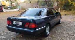 Mercedes-Benz E 280 1997 года за 2 500 000 тг. в Алматы – фото 2