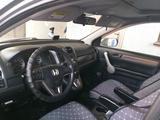 Honda CR-V 2007 года за 5 300 000 тг. в Уральск – фото 4