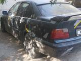 BMW 320 1993 года за 600 000 тг. в Шымкент – фото 4