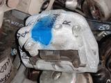 Подушка двигателя правая на Пассат Б6 VW Passat B6 R… за 8 000 тг. в Алматы