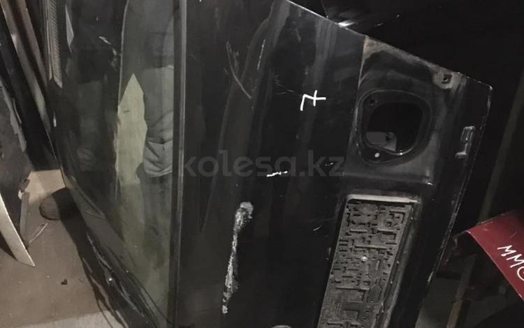 Крышка багажника Mitsubishi Carisma за 18 000 тг. в Алматы