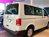 Volkswagen Caravelle Trendline 2021 года за 17 570 000 тг. в Актобе – фото 3