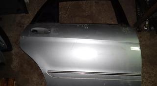 Дверь задняя правая (серебро) за 78 000 тг. в Алматы