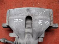 Суппорт тормозной передний левый на Volkswagen Sharan v2.8 бензин 1998… за 10 000 тг. в Караганда