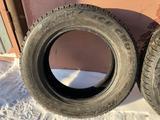 Шины зимние 2шт 225/65/17 Bridgestone за 35 000 тг. в Петропавловск