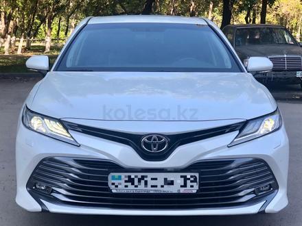 Toyota Camry 2019 года за 14 700 000 тг. в Караганда – фото 2