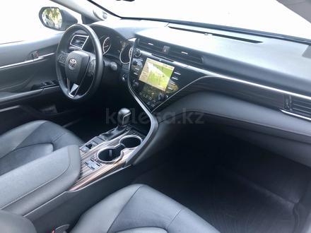 Toyota Camry 2019 года за 14 700 000 тг. в Караганда – фото 27