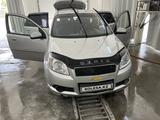 Chevrolet Aveo 2013 года за 2 300 000 тг. в Атырау – фото 2