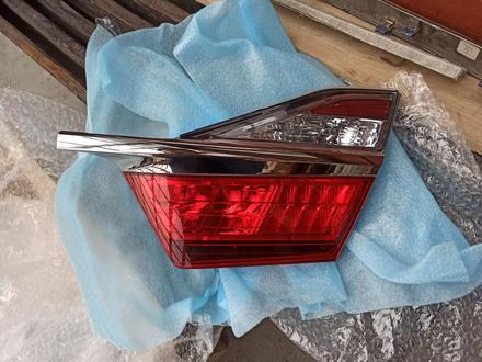 Оптику заднюю задние фонари на camry 55 оригинал за 60 000 тг. в Нур-Султан (Астана) – фото 2