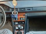 Mercedes-Benz E 200 1990 года за 1 500 000 тг. в Талдыкорган – фото 3