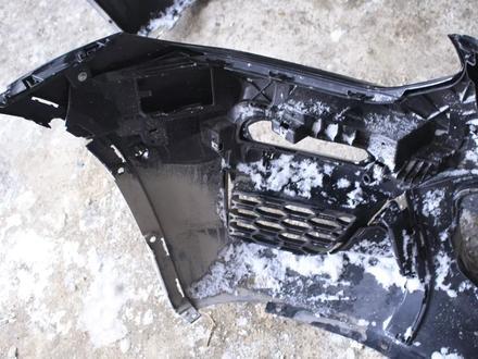 Передний бампер на x6 f16 оригинал, есть трещина 1830 за 40 000 тг. в Нур-Султан (Астана) – фото 6