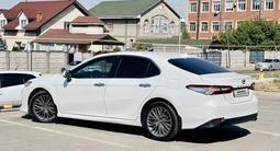 Toyota Camry 2018 года за 13 000 000 тг. в Алматы – фото 4