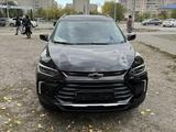 Chevrolet Tracker 2021 года за 10 700 000 тг. в Семей – фото 2