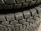 Титановые родные диски с зимней резиной на Mercedes GL470 за 240 000 тг. в Алматы – фото 5