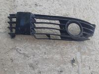 Решотка передний бампер за 3 000 тг. в Жанаозен