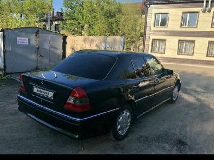 Mercedes-Benz C 180 1995 года за 1 600 000 тг. в Караганда – фото 4