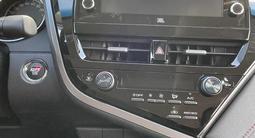 Toyota Camry 2021 года за 17 870 000 тг. в Уральск – фото 3