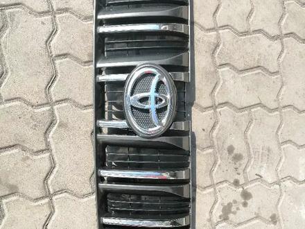 Решётка радиатора на Prado 150 2013 за 1 111 тг. в Алматы