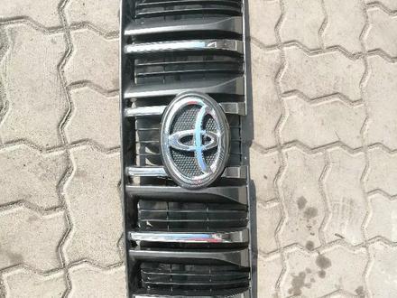 Решётка радиатора на Prado 150 2013 за 1 111 тг. в Алматы – фото 2