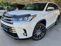 Toyota Highlander 2018 года за 24 900 000 тг. в Алматы