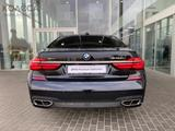 BMW M760 2017 года за 42 500 000 тг. в Алматы – фото 3